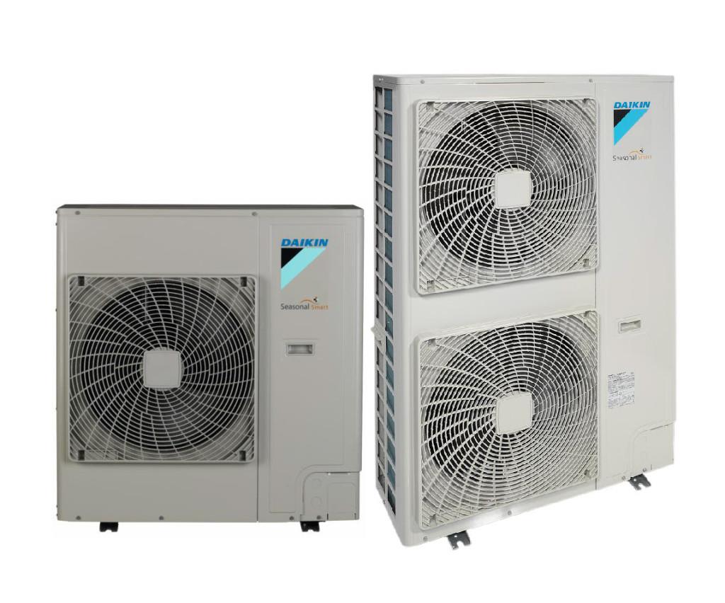 RZQG – Seasonal Smart utedel. Utedelen kan settes opp med 1-4 innedeler for identisk fordeling av varme eller kjøling. Dette gir god fordeling av luftstrømmen i lange eller irregulære romutforminger, samt færre rørstrekk med kun én utedel. Seasonal Smart har en rekke tekniske fortrinn, sammenlignet med Seasonal Classic versjonen. Program for teknisk kjøling, høyere energieffektivitet med variabel fordampningstemperatur, større driftsområde, lengre rørstrekk og varmgass avriming er bare noen av fordelene man oppnår med Seasonal Smart. Tilgjengelig i både 230V og 400V versjoner (-V/Y).